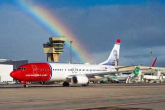 Norwegian Air International Boeing 737
